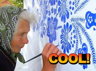 这个90岁老太太有点萌,每天在村里墙上画画
