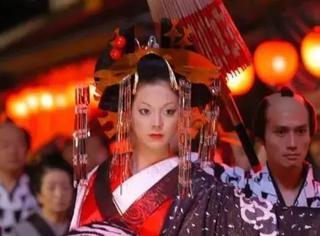 她们被关在笼子里接客...日本江户时代的吉原,最下等的游女...