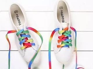 怎样让小白鞋小黑鞋更吸睛?花式鞋带系法帮你赚足回头率!