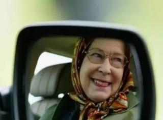 一张照片竟引来死亡威胁,只因为这照片里是位女士在开车…