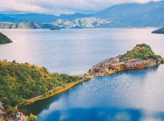 刘涛王珂来了都不想走,因为《亲爱的客栈》开播,这个绝美的湖畔又火了!