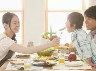 你真的会吃饭吗?原来日本人长寿和健康的秘诀全部都隐藏在每一餐饭里!