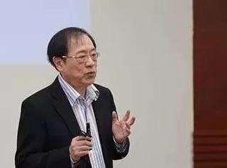 他是首位华裔图灵奖得主,主动放弃美国国籍,回国执教清华十余年