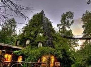 有个魔幻山酒店,长得好像哈利波特里的魔法学校!