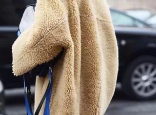 千万别买这件外套,周冬雨穿上都胖20斤!