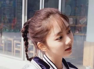 她因《甄嬛传》走红,灵气十足,年近30依然是17岁的模样。