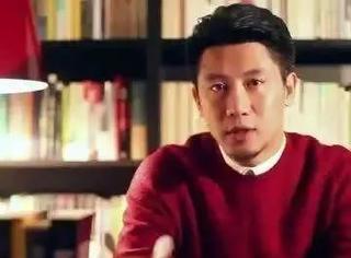 他是罗永浩御用幻灯片制作者,靠自学成为业界顶级专家