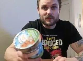 连着吃100天冰淇淋,他竟然…瘦了快30斤?!