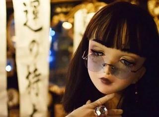 在日本不论男女,最喜欢的还是娃娃