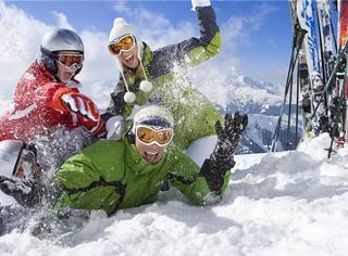 雪季来袭,看完这些滑雪姑娘,我后悔找男朋友了......