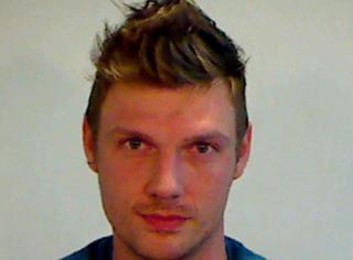 后街男孩尼克被指性侵,女歌手詳述18歲時慘痛經歷