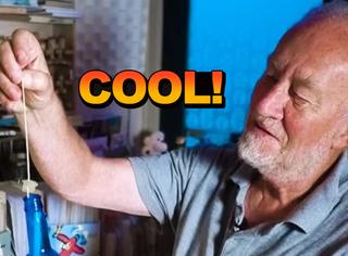 68岁大叔34年捡1200个漂流瓶,并且纷纷给他们回信
