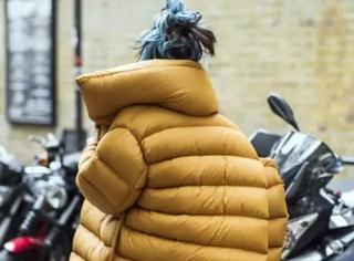 穿这件羽绒服我可能有200斤吧...你却说这最时髦