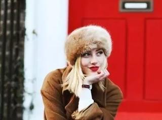 周冬雨、奶茶妹妹气质逆袭的穿搭指南,穿对衣服比整容有效