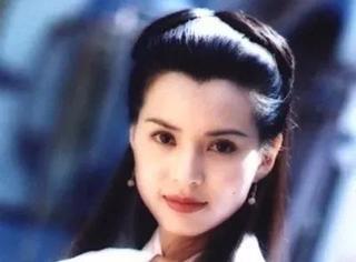 """李若彤开微博晒自拍,""""岁月从不败美人""""都是骗人的"""