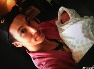 吴尊晒儿女婴儿时期照片,感慨他们是我最大的骄傲