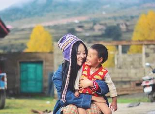 小夫妻从藏区支教相遇到结婚,这群孩子是他们心中最柔软部分