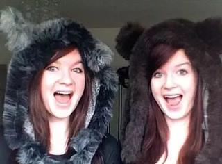 同卵双胞胎姐妹,一个喜欢男人,一个钟爱女人~