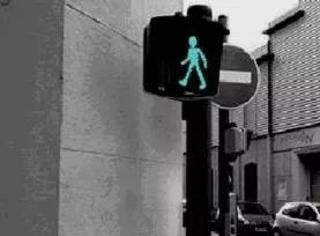 一个红绿灯也能嚣张成这样!不过我喜欢……