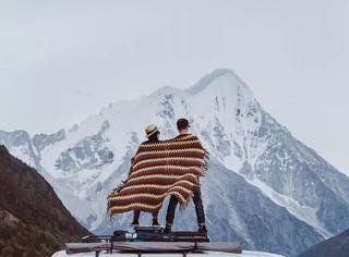 """这对小情侣把""""家""""装进4㎡房车,7个月环游大半个中国"""