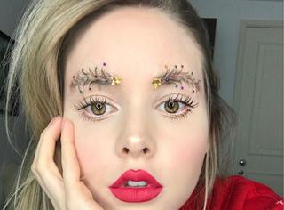 圣诞眉毛,姑娘用这种方式迎接圣诞节