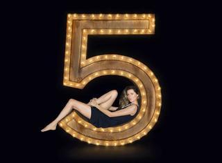 为什么香奈儿5号是全球最热卖的香水?