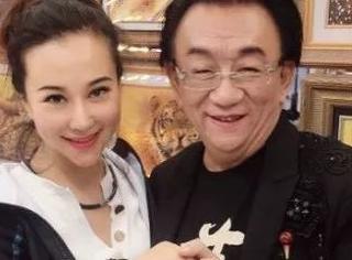 混血女徒弟不说相声做直播!71岁侯耀华被利用还是晚节不保