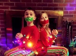 本应该温馨的圣诞家庭照片贺卡,有些人却走偏了...