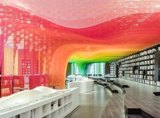 又一家网红书店火了?苏州这个梦幻的彩虹书店刷爆朋友圈