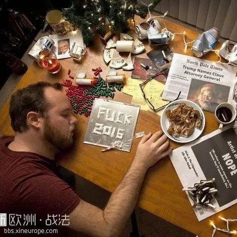最丧圣诞卡片!配合《圣诞结》一起使用可能会哭出声吧