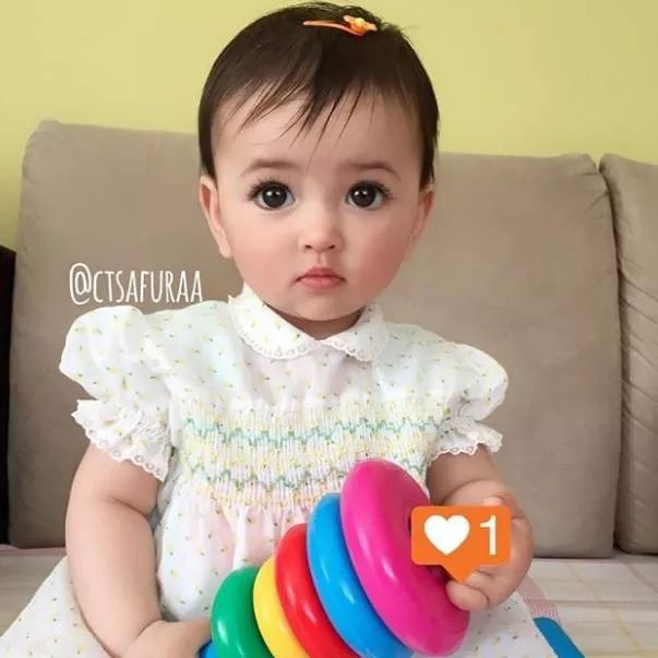 泰国男孩出生1天成网红,瑞典睫毛精宝宝长大后成最美网红