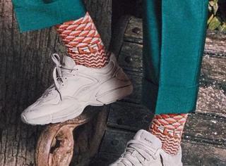 周冬雨、应采儿最近为什么总是偷穿爸爸的鞋?