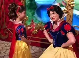 朱茵女儿cos白雪公主超开心!原来女星都偏爱这个气色妆