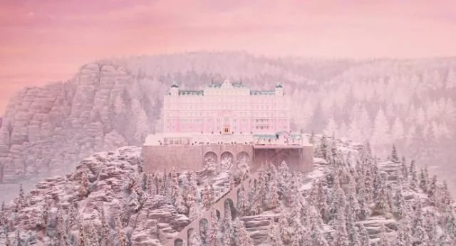 《布达佩斯大饭店》的色彩美学