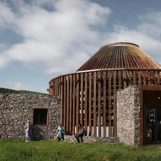 吴彦祖带领《漂亮的房子》设计了个蒙古包,入围了建筑大奖!