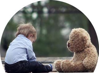 当4岁小男孩唱起《寻梦环游记》主题曲…