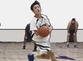15岁中国独臂弃婴单场8中3分球,竟成美篮主力?!