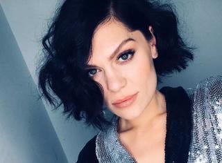英国国宝级歌手Jessie J,来芒果台就被质疑抄袭??