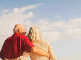 """杭州60岁""""宠妻狂魔"""":妻子喜欢什么,我就做什么!"""