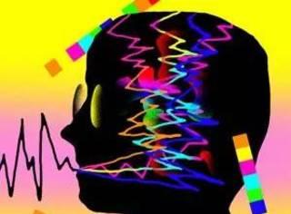 为研究大脑,这位医生拿自己做实验