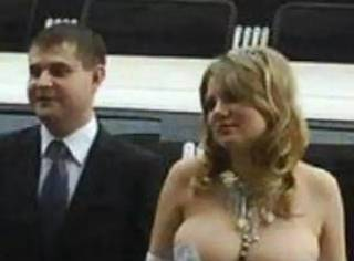 【奇葩】那些令人无力吐槽的结婚照