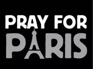 为巴黎祈福,世界各地点亮地标性建筑