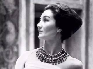 """被誉为""""巴黎最后的女王"""",大都会博物馆专门为她办展"""