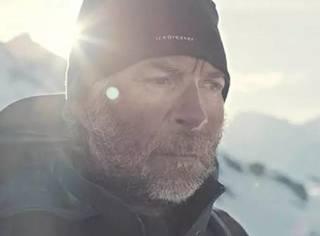 【跪着看完】Simon大叔在雪地里用双脚踩出的麦田怪圈!
