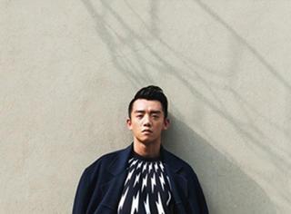 郑恺 VS 朱亚文 高欢神高撞衫的卫衣
