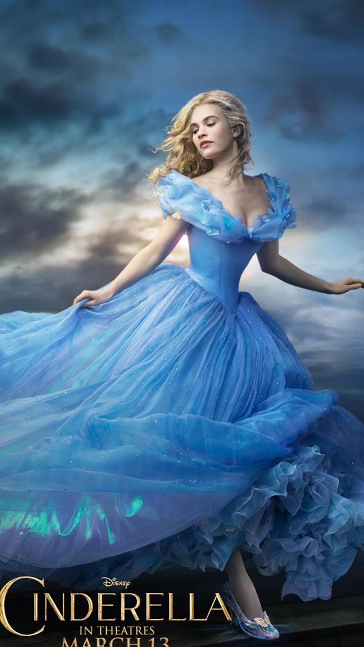 看《灰姑娘》之前 先看看18个裁缝500小时做成的裙子什么样