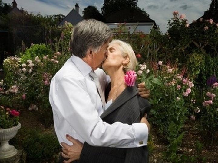 他们80岁依然秀恩爱 最浪漫的事就是一起慢慢变老