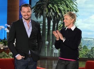 美国有个《艾伦秀》,每期邀请一位好人,奖励豪车+现金!