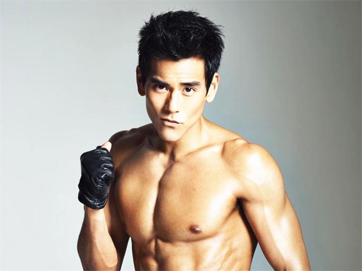 彭于晏:他比杜海涛还励志,小鲜肉如何变成大胸肌肉男