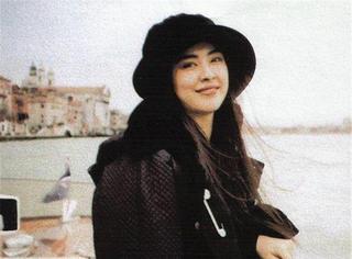 王祖贤48岁生日:有位佳人,在水一方...